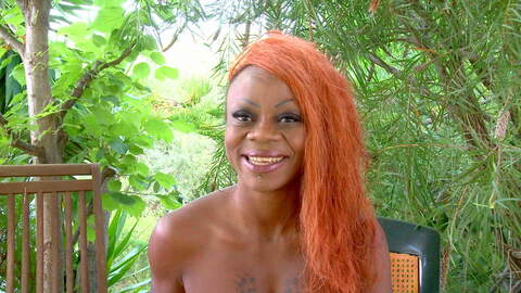 Sexy Video Interview with Naomi Lionne...photo 1
