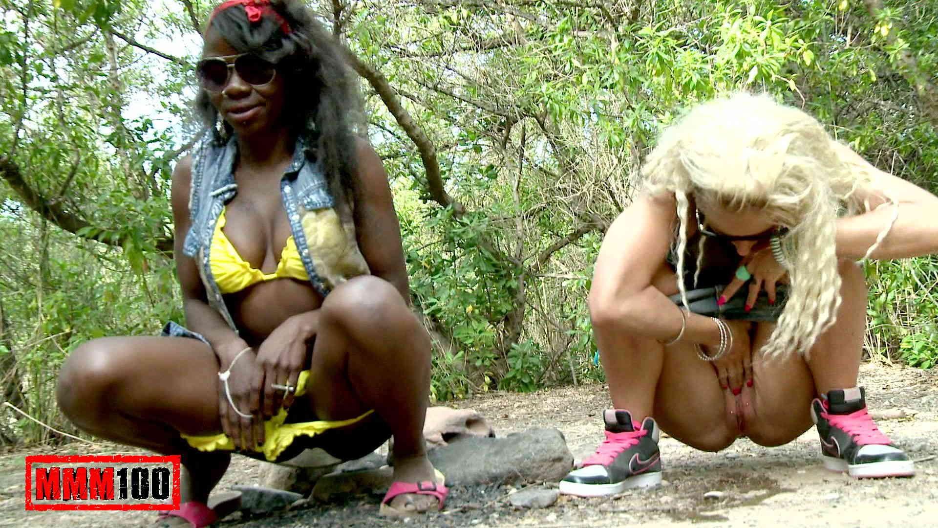 Naomi lionness webcam hot ebony babe shows her pussy 6