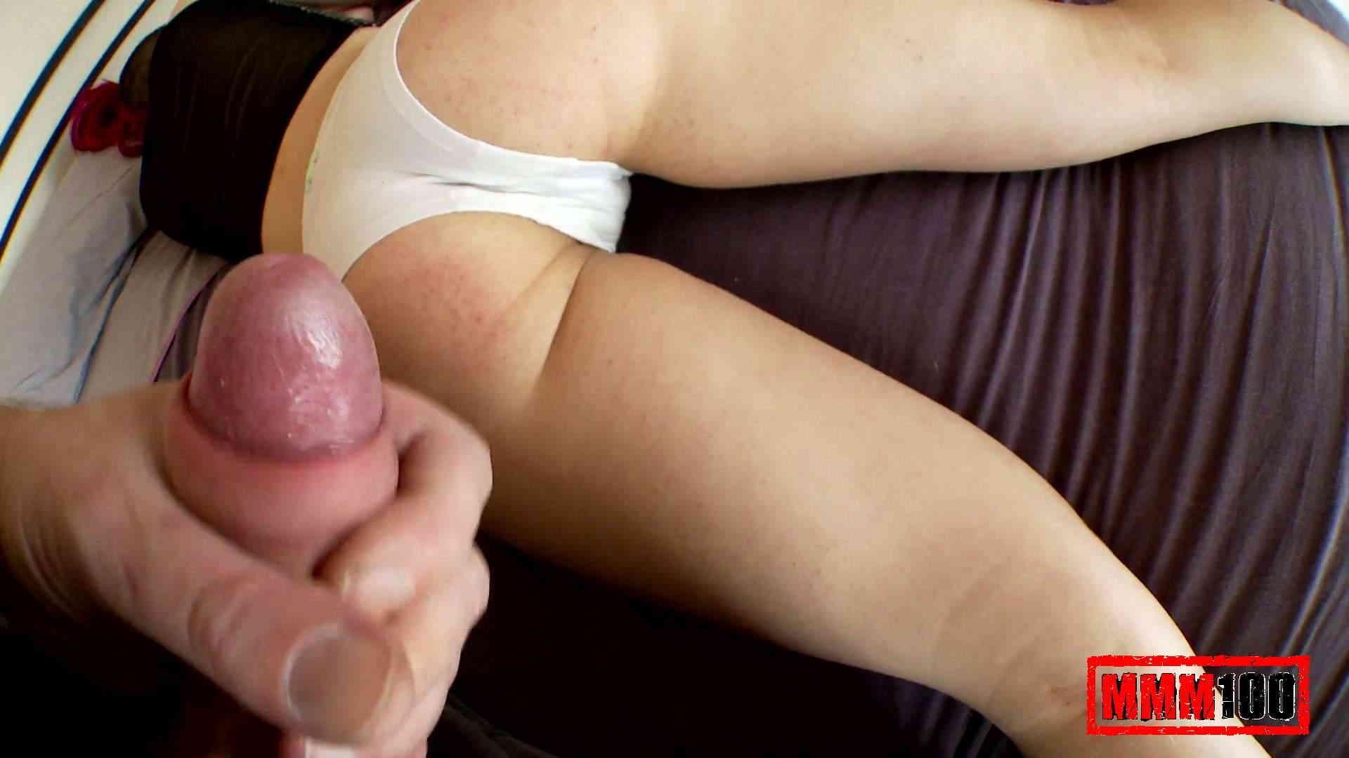 porn-sleeping-girl-cameltoe-cameroo-vagina-girl