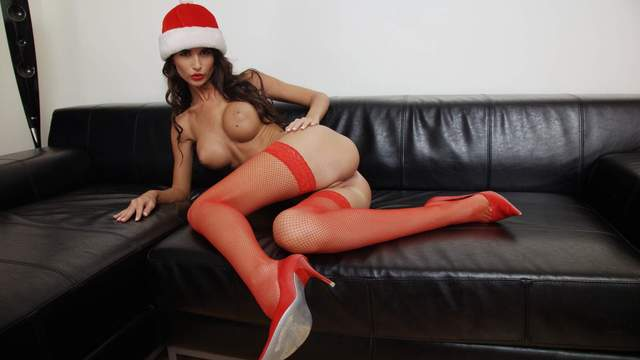 Nessa Devil Photo 1