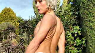 Lovely blonde Nicky Wayne removing clothes   photo 11