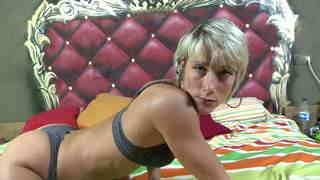 Pretty blonde Nicky Wayne dancing and stripping on her webcam   photo 03