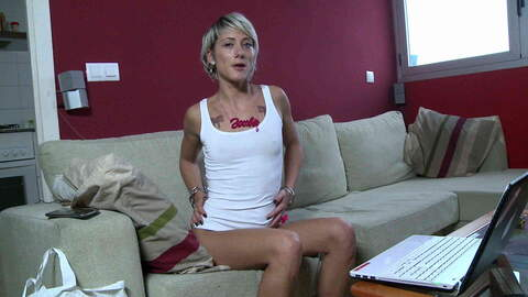 Horny blonde Nicky Wayne getting naked...photo 3