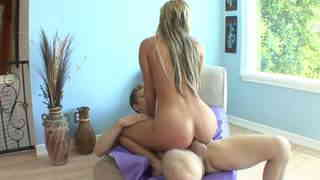 Nikki goes for ass and vag lick   photo 10