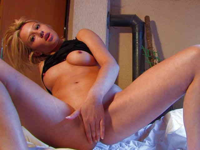 Small arab geting nude alone on her webcam  photo 03