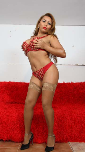 Perla Berne Free Sexy Photo #006