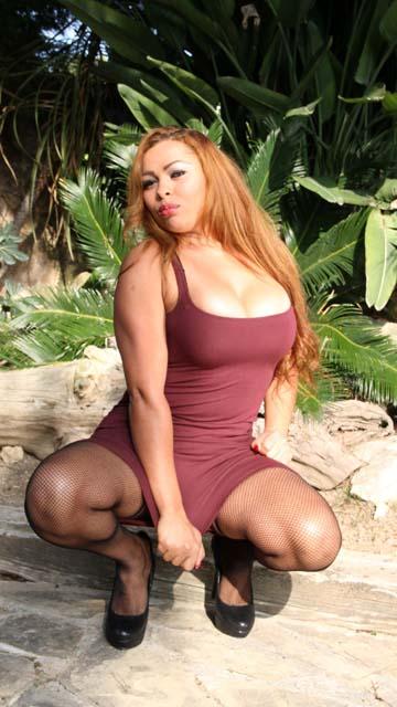 Perla Berne Free Sexy Photo #022