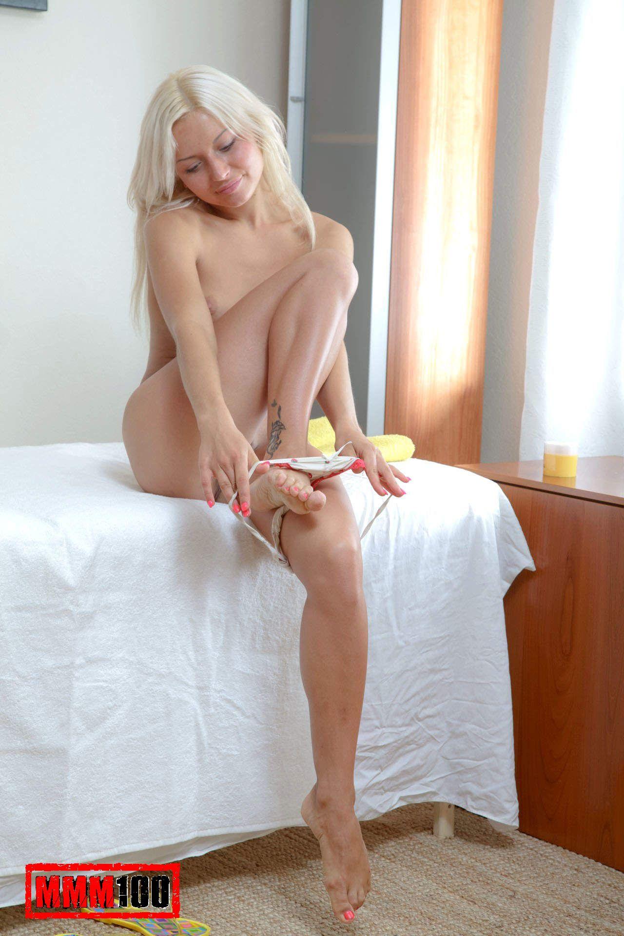 Blonde Teen Cam Masturbate