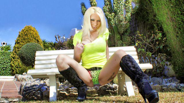 Sabrina Sweet Photo 4