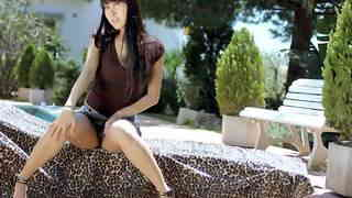 Sharon Lee Poolphoto 1