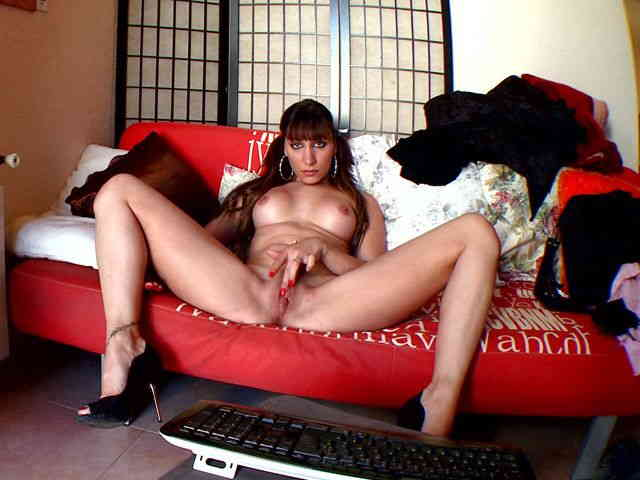 Nice Sheryl Riviera removing clothes on her webcam   photo 09