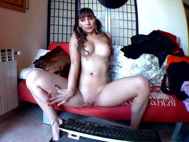 Nice Sheryl Riviera removing clothes on her webcam   photo 15