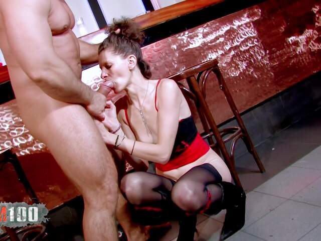 Nasty MILF gonna receive deeply a big cock in all her hole  photo 05
