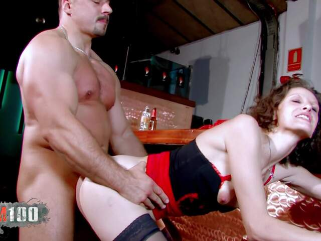 Nasty MILF gonna receive deeply a big cock in all her hole  photo 07
