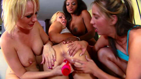 Black and blond in a big tits quatuor ...photo 1