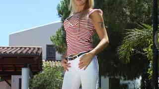 MILF blonde Tamarah Dix removing cloth...photo 1