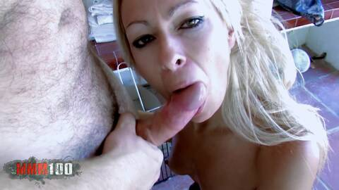MILF fully utilizes the cleaner! photo 3