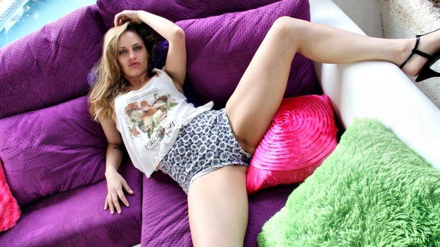 Tania Has Photo 1