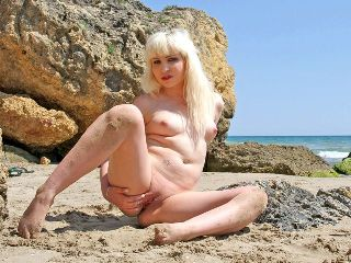 Tiina-K : Photo HQ grande taille