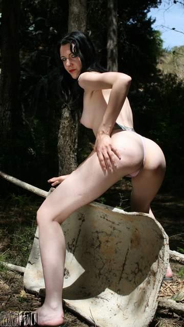 Vladana Free Sexy Photo #018